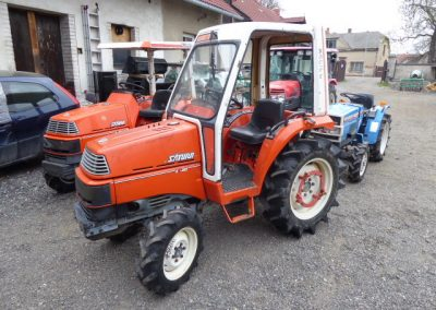 KUBOTA X20 SATURN, 4 × 4 WITH ORIGINAL SEMI-CABIN