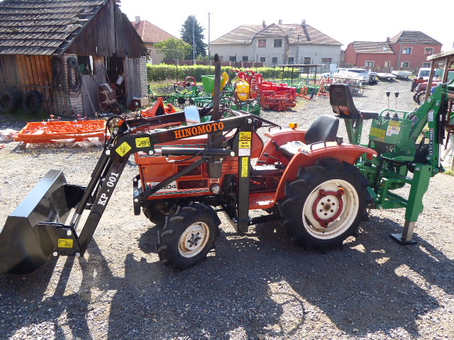 Hinomoto E 1804 D, 4×4 with the new KP-001 front loader + BHSM 95 undercut