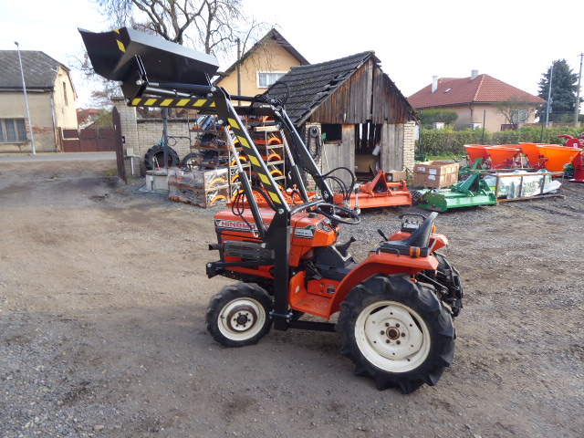 Hinomoto C 174 D, 4×4 with new front loader